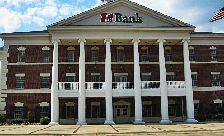 Banco_Universal
