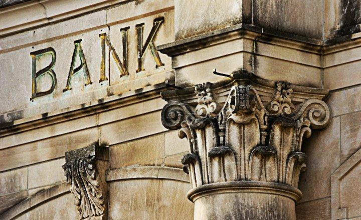 Banco Universal capital