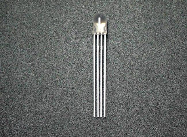 Cátodo carga electrica